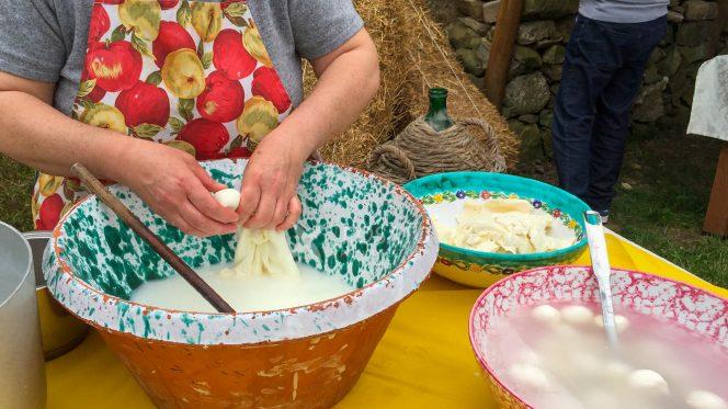 Mozzarella Making Sorrento Tour Gastronomic
