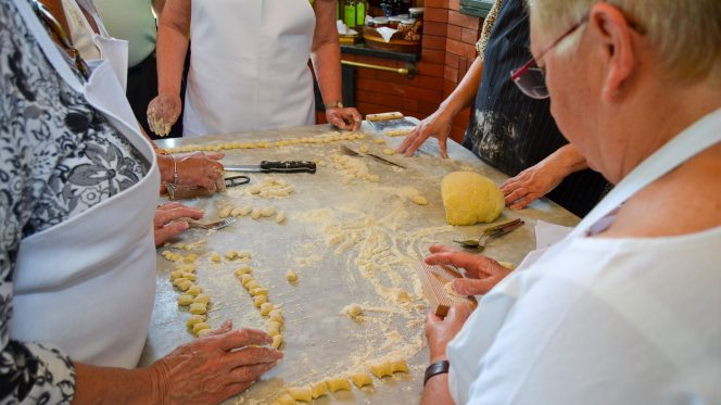 Making gnocchi - italian pasta - food tour from Amalfi Coast